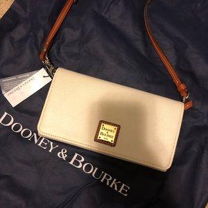 Dooney & Bourke Pebble/Grain Daphne Crossbody